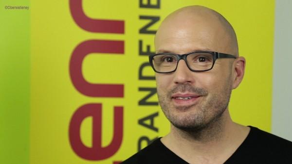"""Klangkünstler Christopher von Deylen stellt bei Antenne Brandenburg sein neues Schiller Album """"Future"""" vor. Inspiration fand er in der Mojawewüste."""