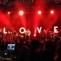 """Mit neuer Leichtigkeit auf der Bühne. get Well Soon präsentieren ihr neues Album """"Love"""" live im Berliner Huxleys."""