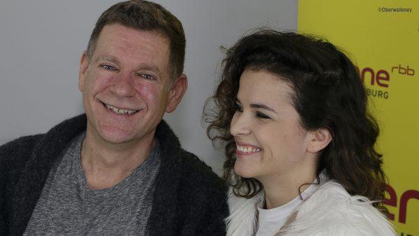 """Maxine Kazis ist die neue Entdeckung von Peter PLate. Der Ex-Rosenstolz hat zuletzt das erfolgreiche Sarah Connor Album """"Muttersprache"""" produziert."""
