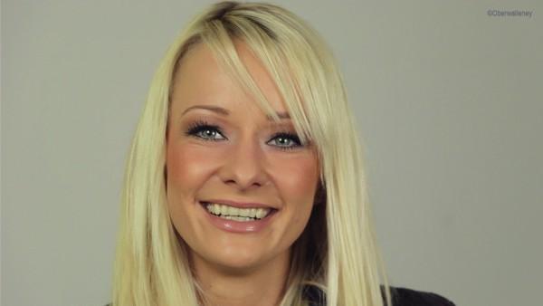 """Christin Stark stellt bei Antenne Brandenburg ihr aktuelles Album """"Hier"""" vor."""