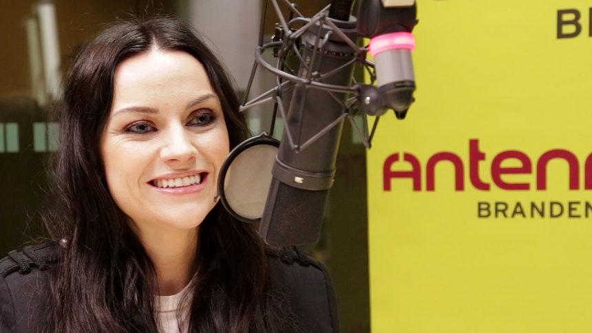 """Amy macDonald stellt ihr neues Album """"Under Stars"""" bei Antenne Brandenburg vor."""