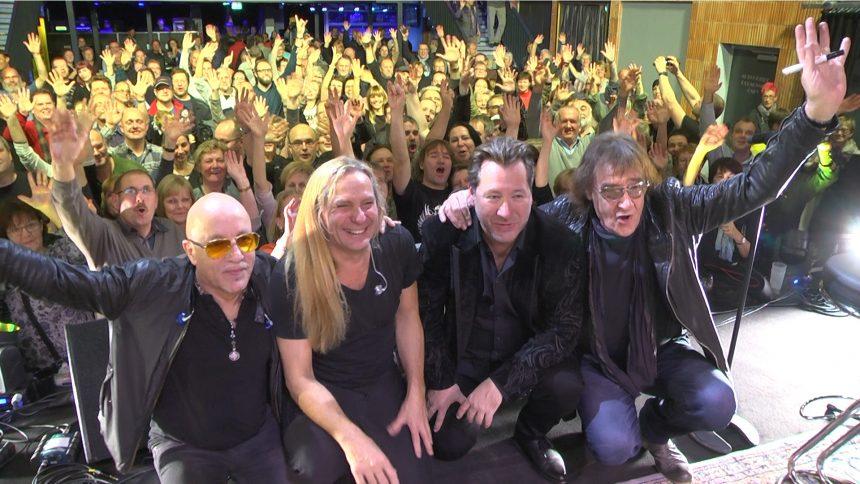 Klasse konzert der Rocklegenden in Potsdam. Bevor es auf Tour geht gaben die Rocklegenden im Musikclub Pirschheide in Potsdam ein Hörerkonzert für Antenne Brandenburg RBB.